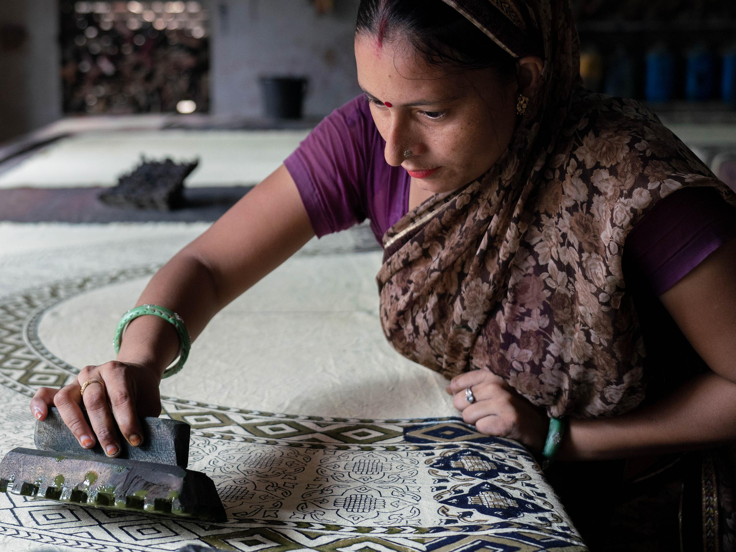 Woman hand printing textiles_Photographed by Nitin Gera © GoodWeave